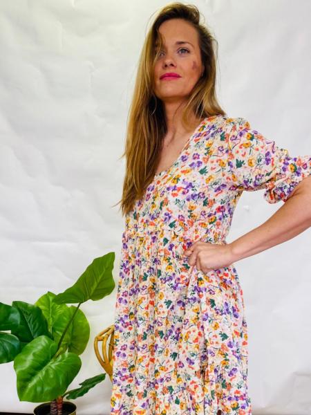 Vestido de flores corto