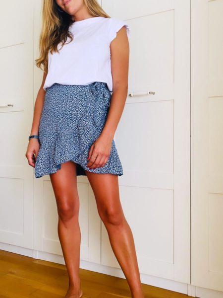 Falda corta efecto pareo